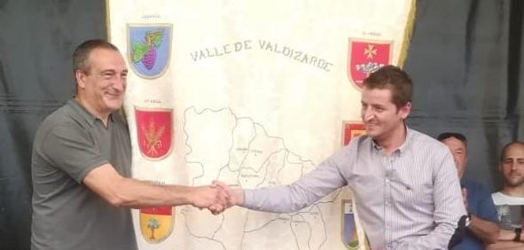 Enériz traspasa el testigo a Legarda para la celebración del día de valle en 2020
